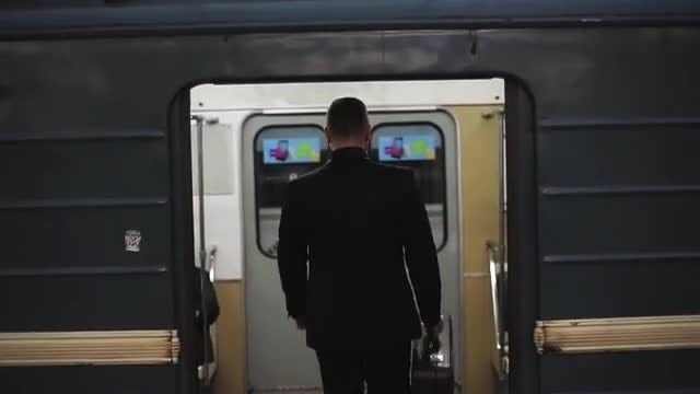 Man Boards Subway: Stock Video