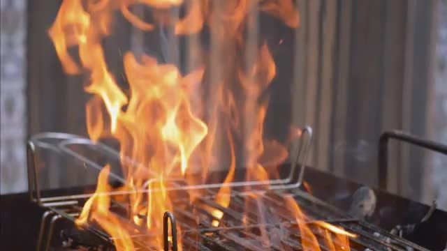 Fire On a Barbecueue: Stock Video