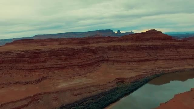 Edge Of A Utah Canyon: Stock Video