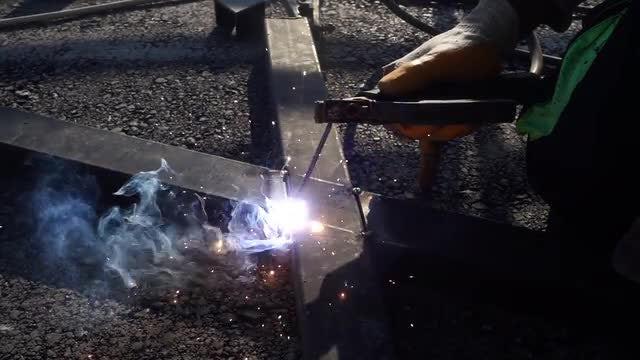Arc Welding In Slow Motion: Stock Video