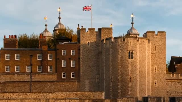 Tower Of London Establishing Shot: Stock Video