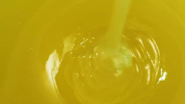 Pouring Honey: Stock Video