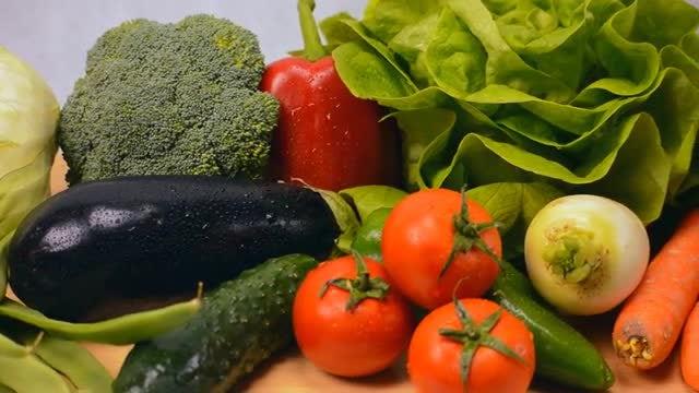 Panning Shot Of Fresh Vegetables: Stock Video