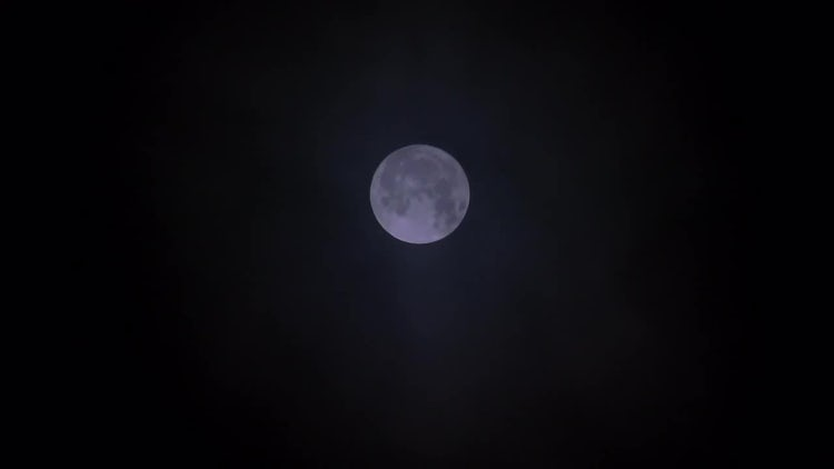 Full Moon With Clouds Passing: Stock Video