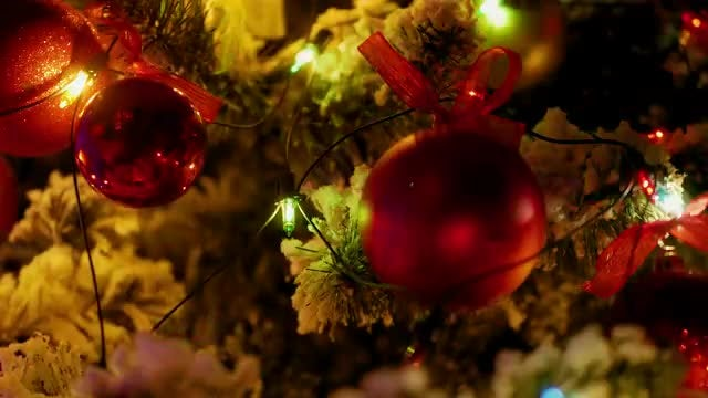 Christmas Tree With Colorful Decorations: Stock Video