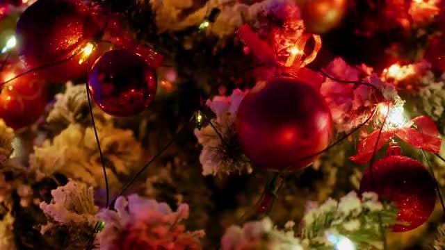 Glowing Christmas Garlands: Stock Video