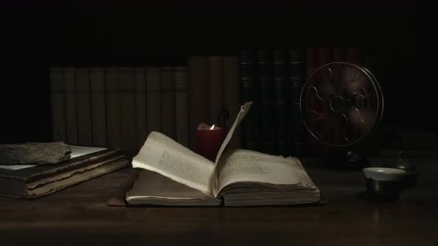 Old Book Opening Slowly: Stock Video