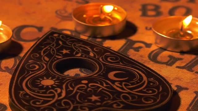 Witchcraft Ouija Board: Stock Video