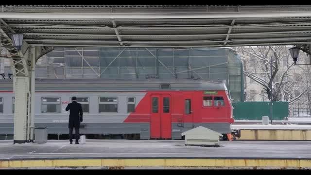 Businessman Catches Train: Stock Video