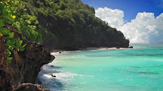 Turquoise Lagoon Loop: Stock Video