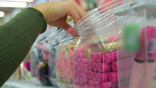 Lip Gloss In Store: Stock Video