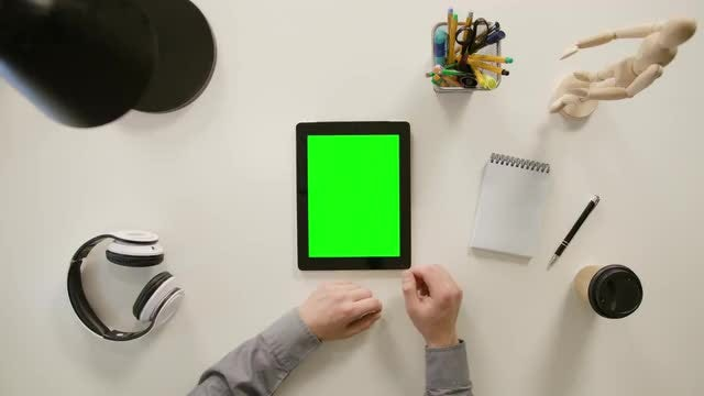 Hand Scrolling On Tablet: Stock Video