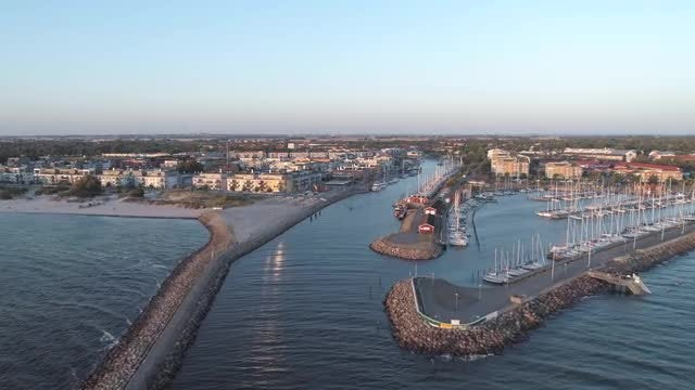 Oceanfront Homes Aerial: Stock Video