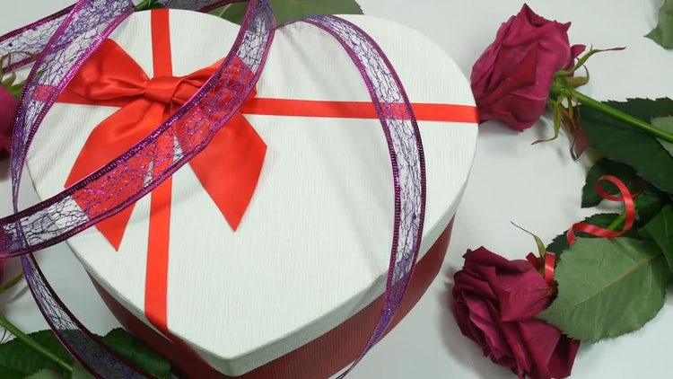 Gift Box And Roses: Stock Video