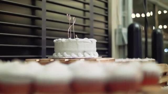 Wedding Cake & Desserts: Stock Video