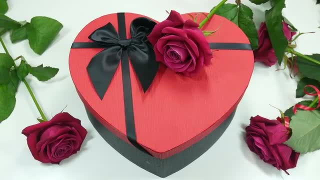 Gift Box And Pink Roses: Stock Video