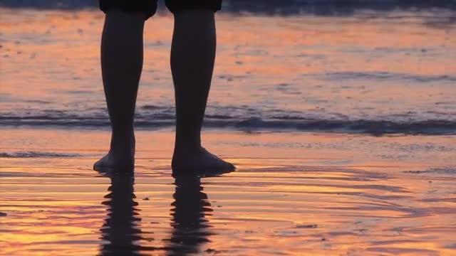 Feet On Beach: Stock Video