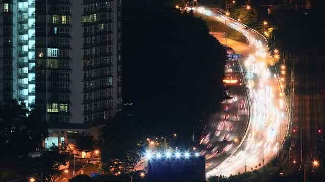 City Traffic: Stock Video