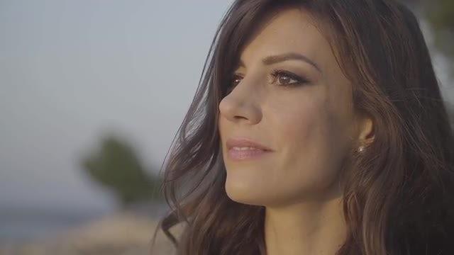 Portrait Of A Beautiful Woman: Stock Video
