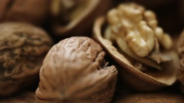 Walnuts: Stock Video