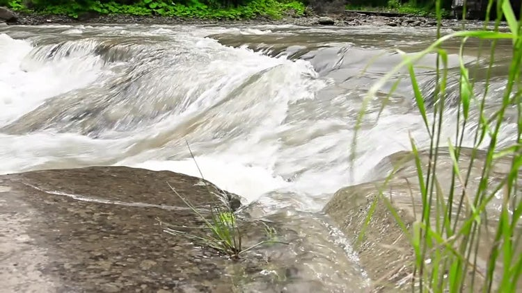 Mountain River Flowing Fast: Stock Video