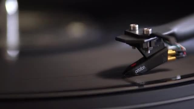 Needle Drop On Vinyl Record: Stock Video