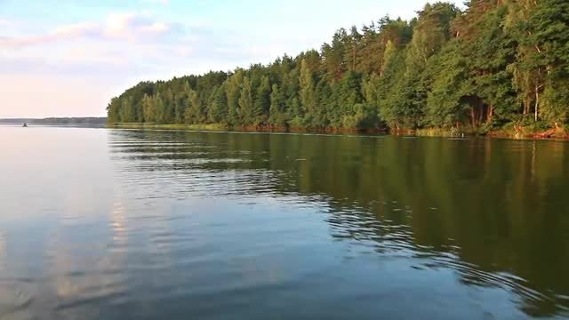 Cruising On Lake: Stock Video