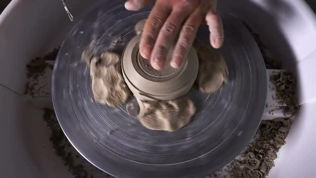 Potter Working With Clay: Stock Video