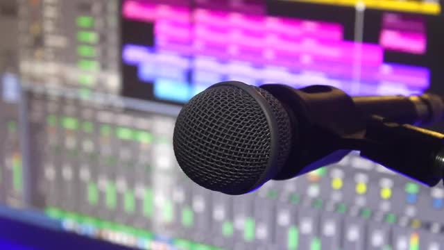Close-Up Mic: Stock Video