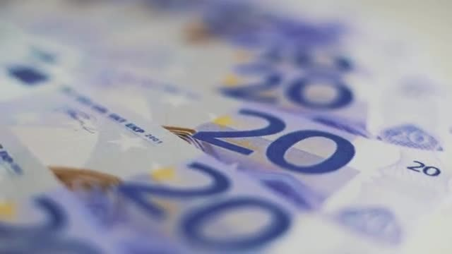 Euro Bills: Stock Video