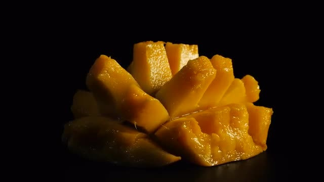 Sliced ​​Mango Fruit: Stock Video