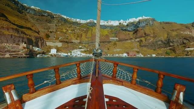 Sailing Away: Stock Video