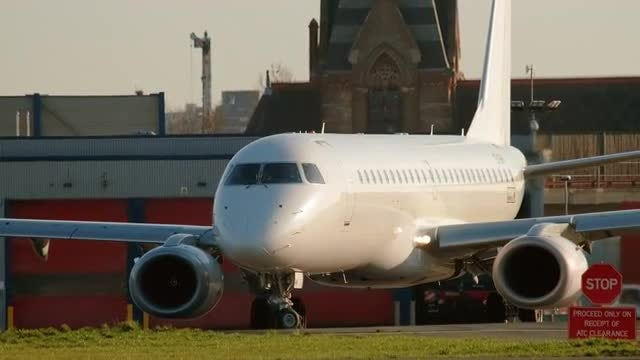 Airplane On The Runway: Stock Video