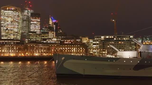 London At Night: Stock Video