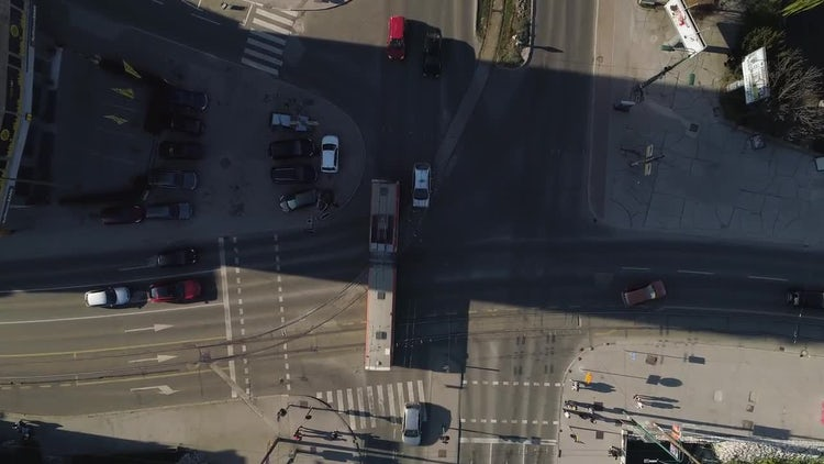 Intersection In The City: Stock Video