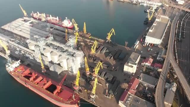 Cargo Ship At The Port: Stock Video