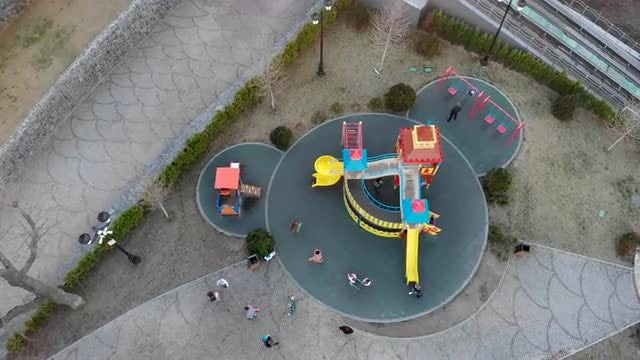 Kids Playing: Stock Video