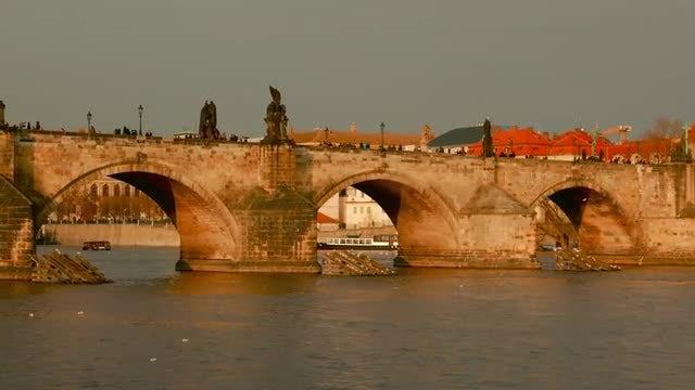 Charles Bridge: Stock Video