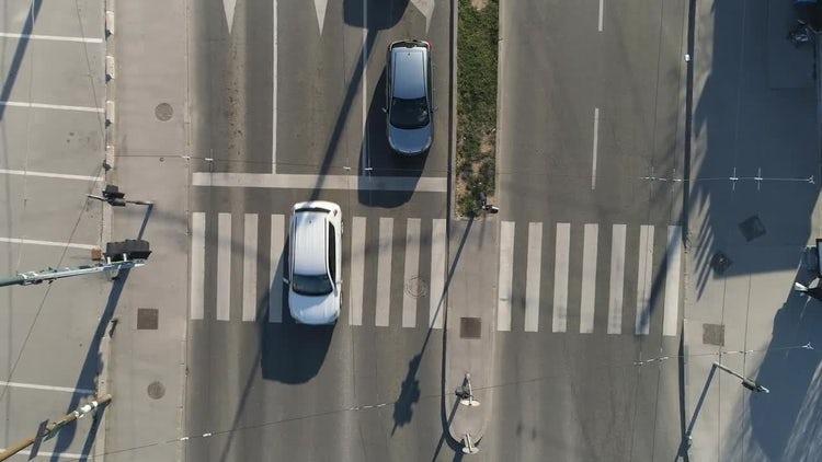 Vehicles Crossing Zebra Crossing: Stock Video