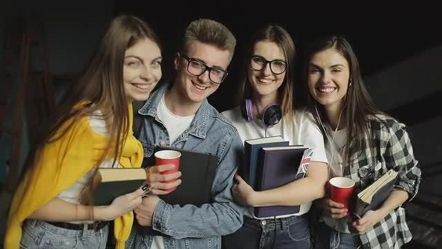College Friends: Stock Video