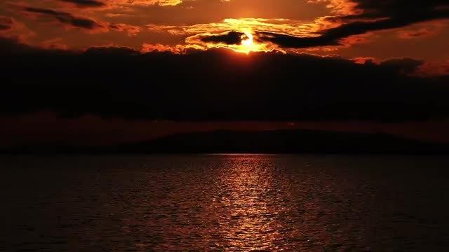 Sun Going Down: Stock Video