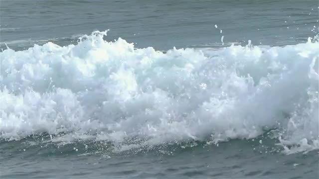 Big Waves: Stock Video