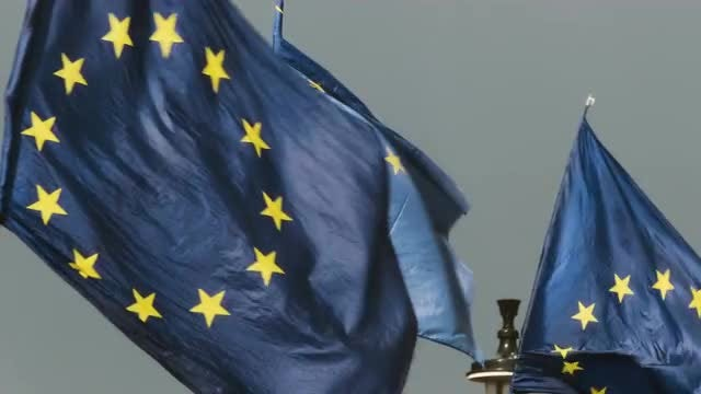 EU Flags Fluttering: Stock Video