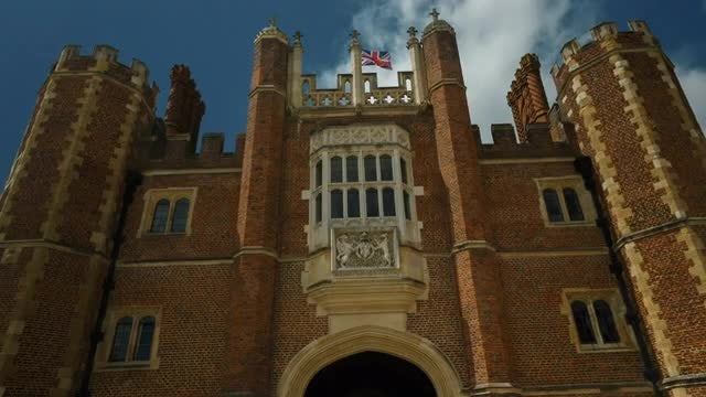 Hampton Court Palace, UK: Stock Video