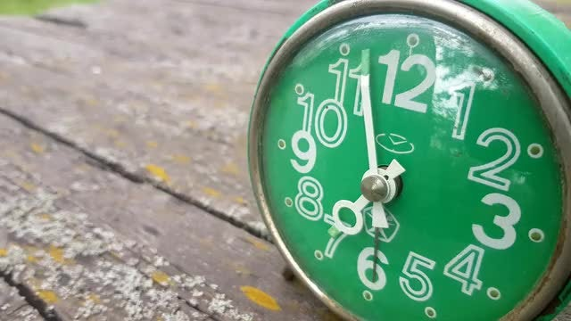 Old Green Clock: Stock Video