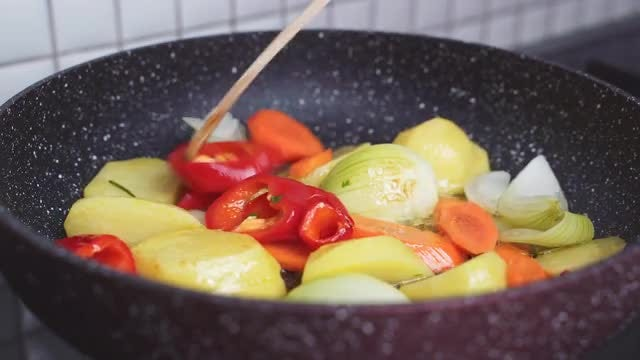 Cooking Vegetables: Stock Video