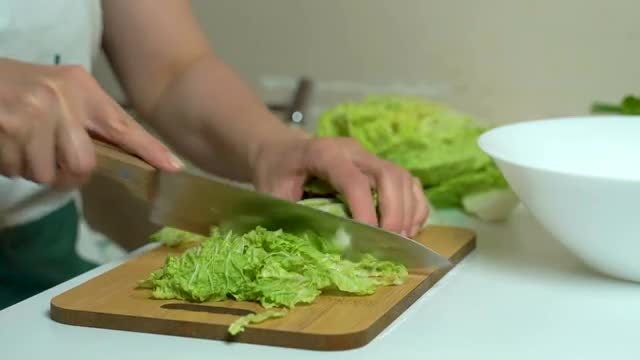 Cutting Cabbage: Stock Video