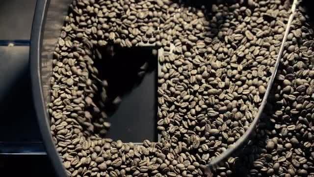 Emptying Coffee Roaster: Stock Video