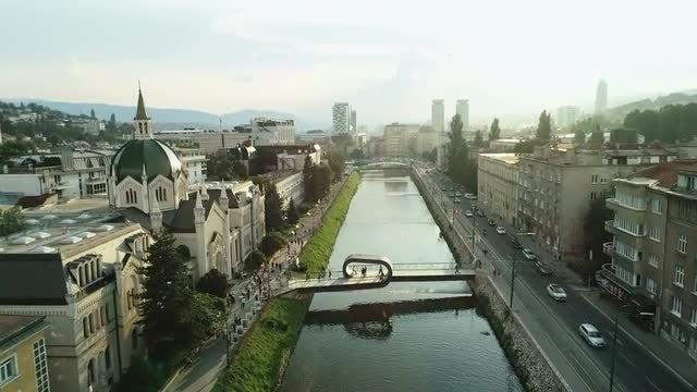 Festina Lente Bridge: Stock Video