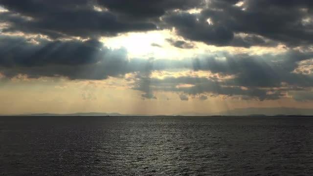 Sunlight Peeking Through: Stock Video